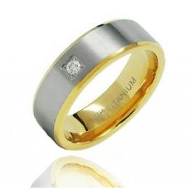 Aranyozott Titánium Karikagyűrű Cirkóniáva